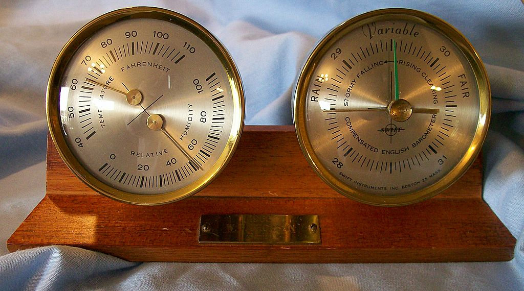 Barometer ~ Swift Instruments Inc. ~ desk model ~ early 1960's
