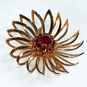 Sarah Coventry Flower Pin ~ Rhinestones Brooch
