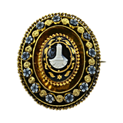 Georgian Carved Agate & 15K Gold Engraved Memorial Brooch