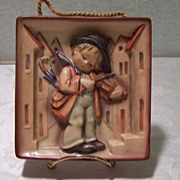 Sweet Little Fiddler - 2 Full Bee (1950) Goebel Hummel Plaque w/ Original String