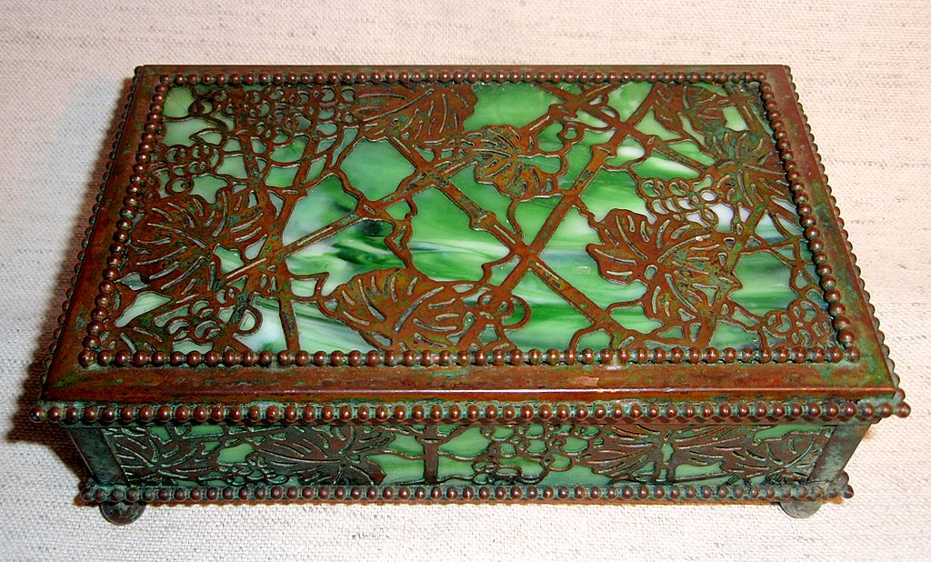 "Spectacular Tiffany ""Grapevine"" Pattern Desk Box"