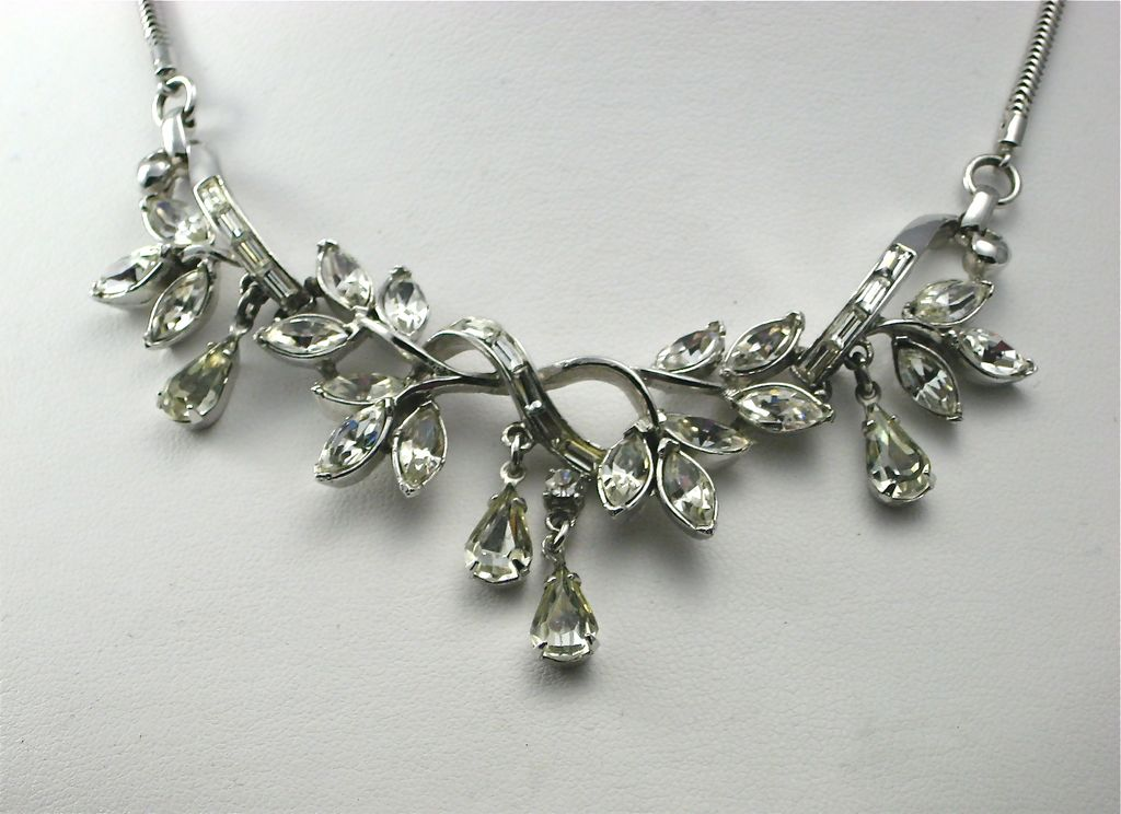 Vintage Corocraft Clear Dangling Rhinestone Necklace