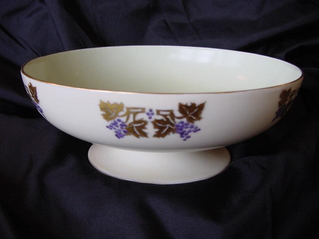 Limoges Porcelain Compote / Bowl on Pedestal, Hand Painted by Laura Knappe with an Art Nouveau Design of Grapes and Gold Leaves – Haviland 1893-1930