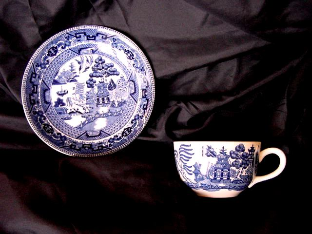 Buffalo Pottery Blue Willow Pattern Cup and Saucer- 1911