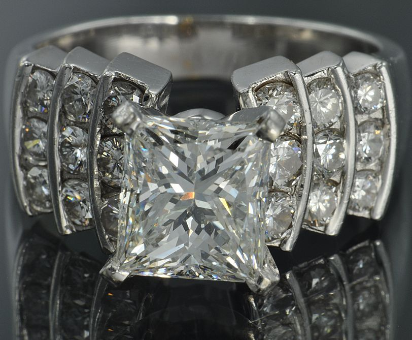 2.75 Carat  F/VS1  Princess  Cut   Diamond   Ring