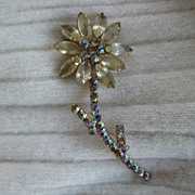 Beautiful Flower Brooch Marquise Chatons