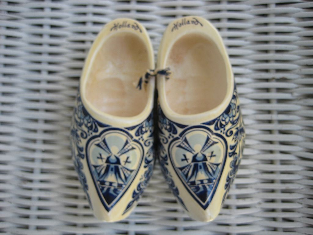 Dutch Holland Delft Shoe Souvenir