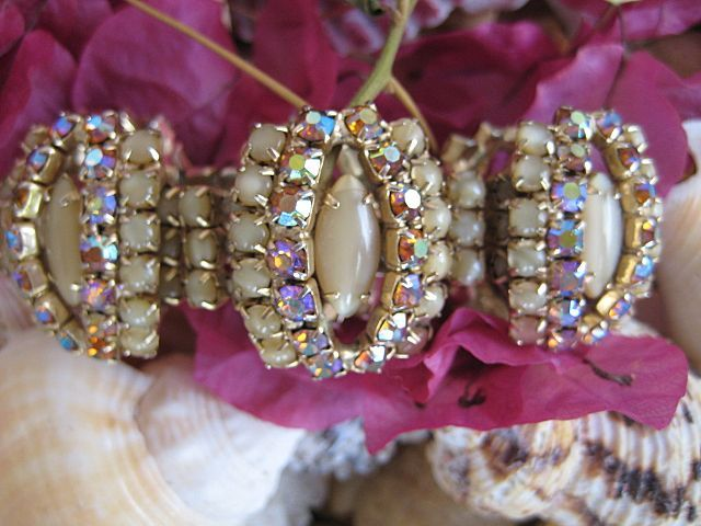 Magnificent Hobe Caramel Glass Cabochon Topaz-Colored Rhinestone Bracelet