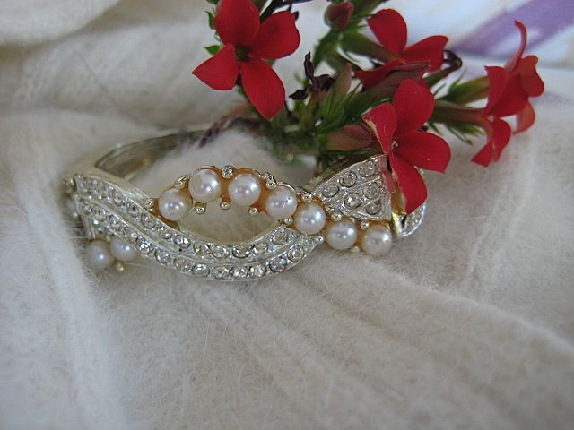 Simulated Pearl Rhinestone Clamper Bracelet