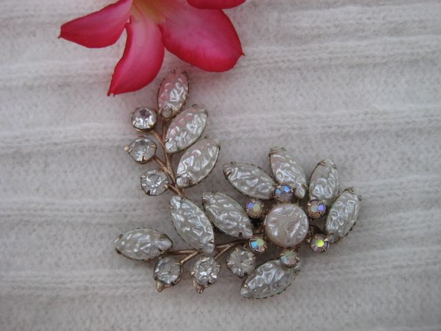 White Art Glass Rhinestone Brooch