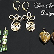 SWIRLS - Interchangeable earrings � Faceted glass, Tiger�s Eye hearts, Swirled wire