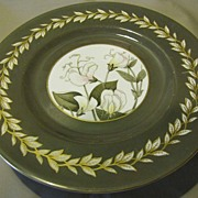 Lovely Royal Worcester Porcelain Plate, SWEET PEA, 1944-55.