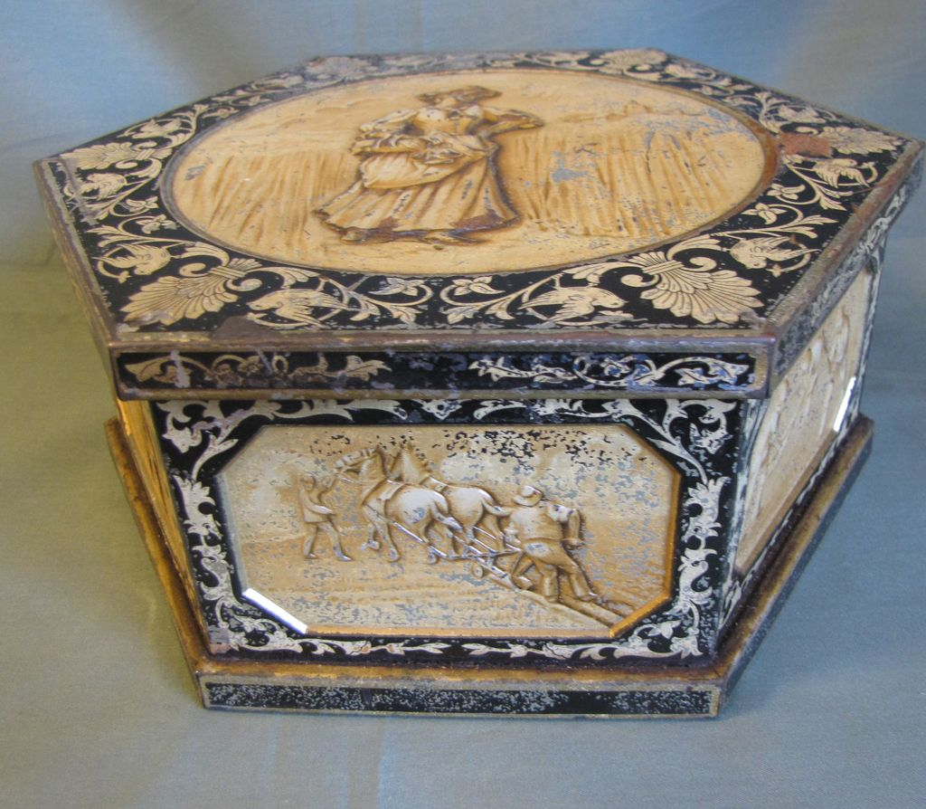 Circa 1908 British Biscuit Tin, HARVEST, Huntley & Palmers
