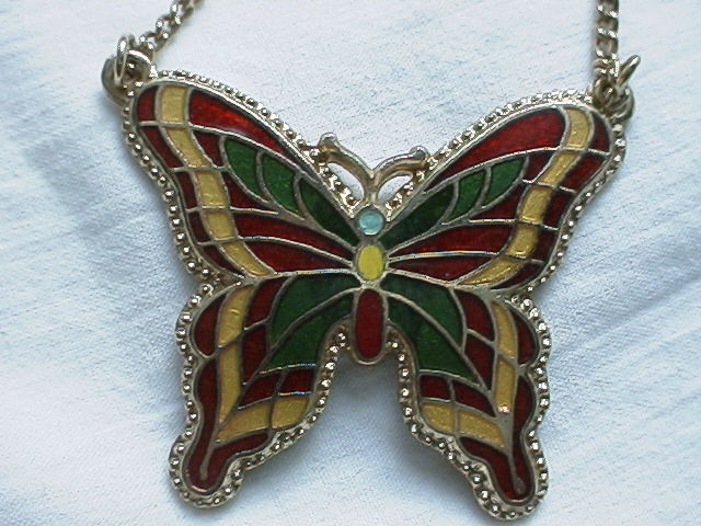 Sarah Coventry 1978 Fly Away Enamel Butterfly Figural Pendant Choker Necklace