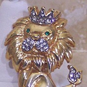 SOLD Estate Gold Tone & Rhinestone �King of the Jungle� Lion Pin/Brooch