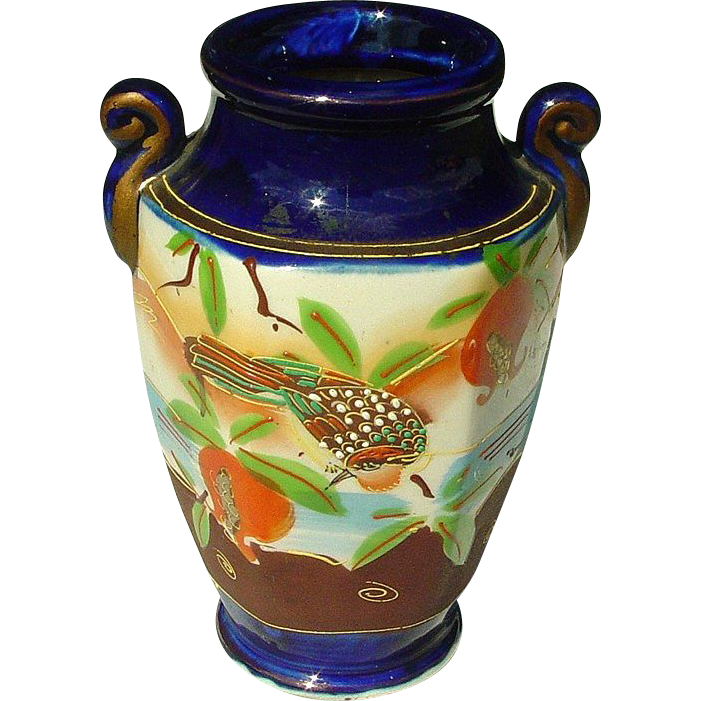 Made in Japan ~ Handpainted Moriage Vase ~ 7""