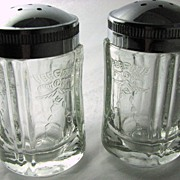 Indiana Glass 'Madrid' 'Recollection' shaker set