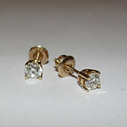 14 kt Yellow Gold and Round Diamond Stud Earrings