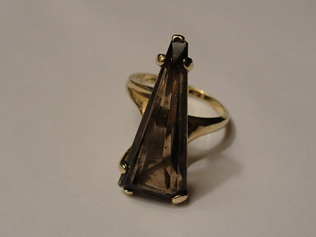 14 kt Yellow Gold Smoky Quartz Tapered Baguette Ring