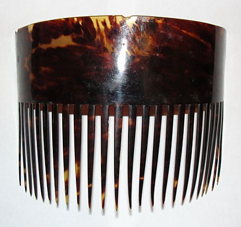 Large Hawaiian Tortoise Shell Hair Comb B