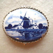 SALE Delft Blue Small Pill or Trinket Box Made in Holland
