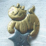 Wendy's World Signed Cat with a Heart Pin