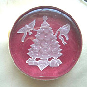 1982 Danbury Mint Christmas Tree with Doves Lead Crystal Paperweight