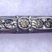 FISHSON Clasp Bar Pin with Rhinestones