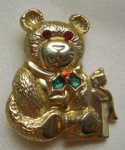 GERRY'S - Teddy Bear Christmas Holiday Pin with Rhinestone Eyes