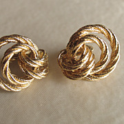 Avon Goldtone Twisted Loops Clip On Earrings
