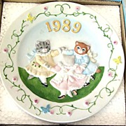 "SCHMID Kitty Cucumber ""Ring Around the Posie"" Plate - 1989"