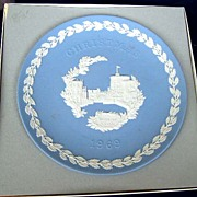 Wedgwood  Jasperware 1969 Christmas Plate - First Issue - New in Box