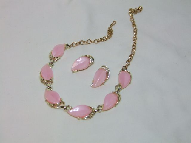 Pink Necklace and Earring Set - Goldtone setting