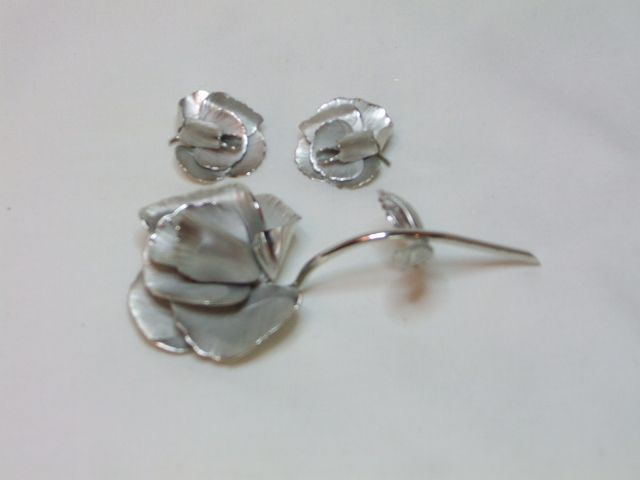 Giovanni Silvertone Rose Pin and Earrings