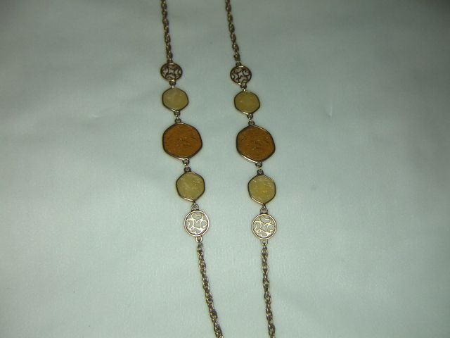 Sarah Coventry Taste of Honey Necklace - One Strand
