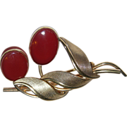 REDUCED A&Z 1950's Carnelian & 12K Gold Filled Floral Brooch