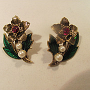 SALE Avon Retro Vintage Earrings