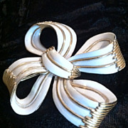 Vintage Trifari Bow Ribbon Brooch