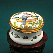 Bilston & Batterson Enamel English Finch Trinket & Pill Box-Circa 1974