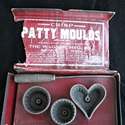 Antique Wagner Patty Cast Iron Heart Kitchen Moulds