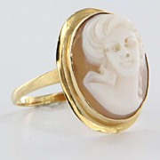 Vintage Estate Carved Cameo 18 Karat Yellow Gold Cocktail Ring Heirloom Pre Owned Jewelry