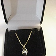 14K Yellow Gold Chain & Pendant w Onyx
