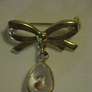 Mustard Seed Tear Drop Dangle Bow Pin