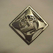 Kelly waters Pendant Pin Brooch Art Deco Design polished Metal
