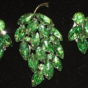 Vintage 2 Piece Green Rhinestone Leaf Brooch & Clip on Earrings Set