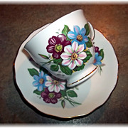 Pretty Vintage Floral Motif Tea Cup & Saucer Set Royal Vale