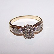 10 K Gold Diamond Chip Ring Very Decorative Ladies Size 7