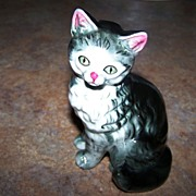 Charming Ceramic Majolica Style Kitty Cat Figurine Stamped japan