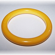 Cream of Corn Bakelite Bangle Bracelet
