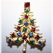 Vintage Christmas Tree Rhinestone Pin / Brooch
